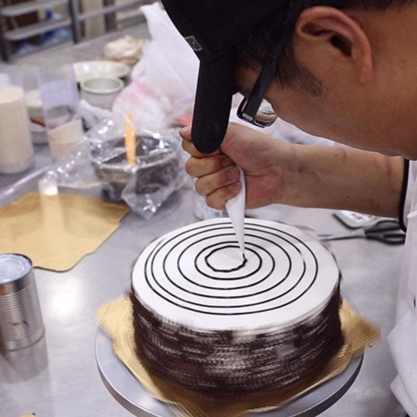 【鳳山│唯品食品烘焙工廠】做蛋糕真的這麼困難?還是趁八折優惠趕快預定母親節蛋糕吧!