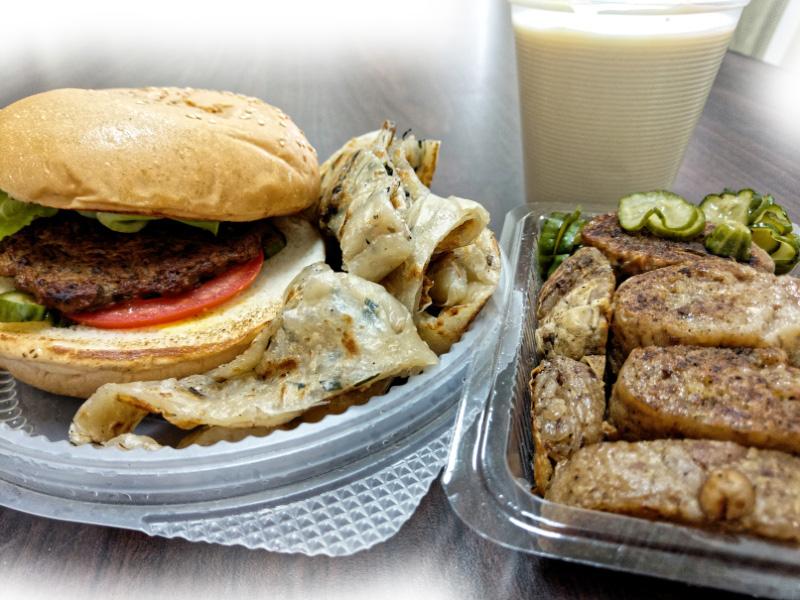 隠藏在高應大巷弄裡的不一樣素食早餐,蛋餅、吐司、漢堡、抓餅要你素素看。