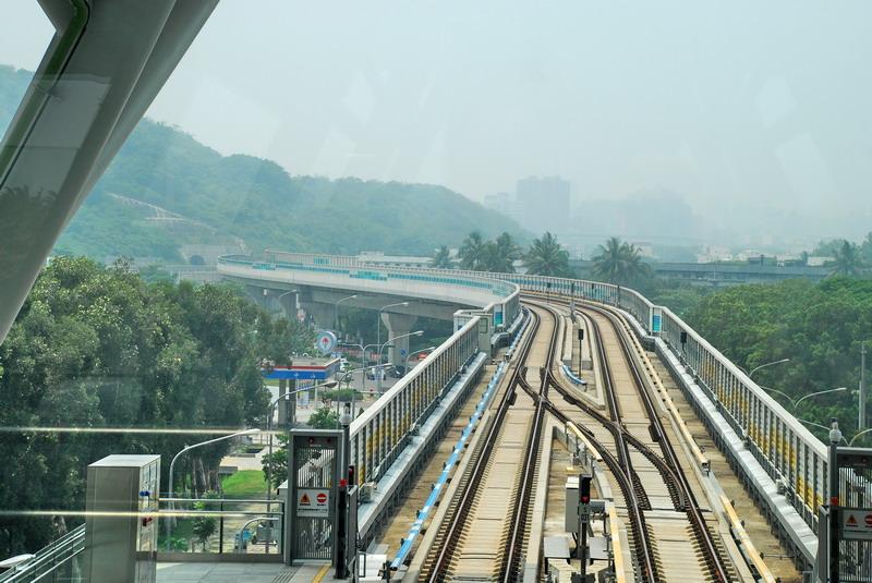 高捷系列-R17世運站