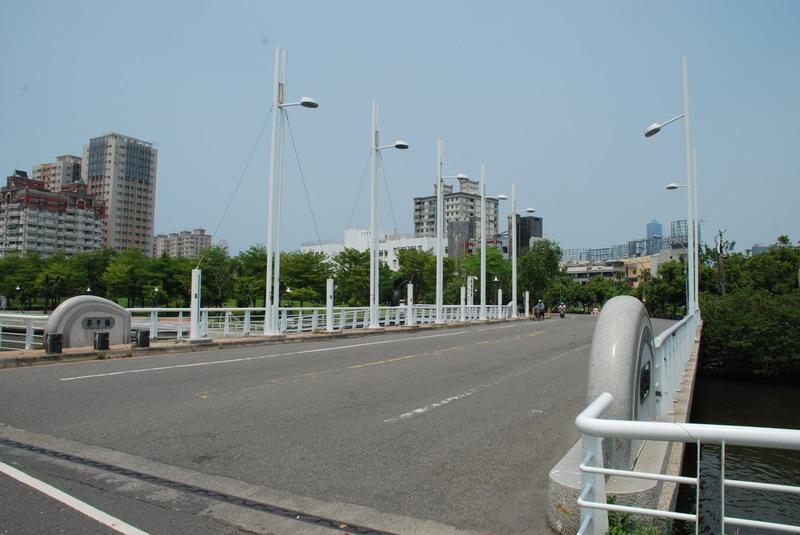 前鎮河畔自行車道