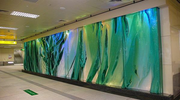 高捷系列-R4高雄國際機場站