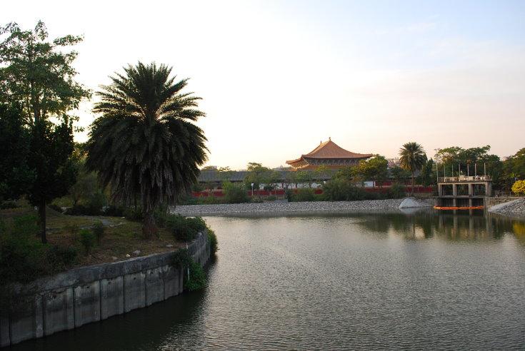 高雄蓮池潭風景區♬