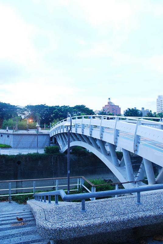 高雄市河堤公園