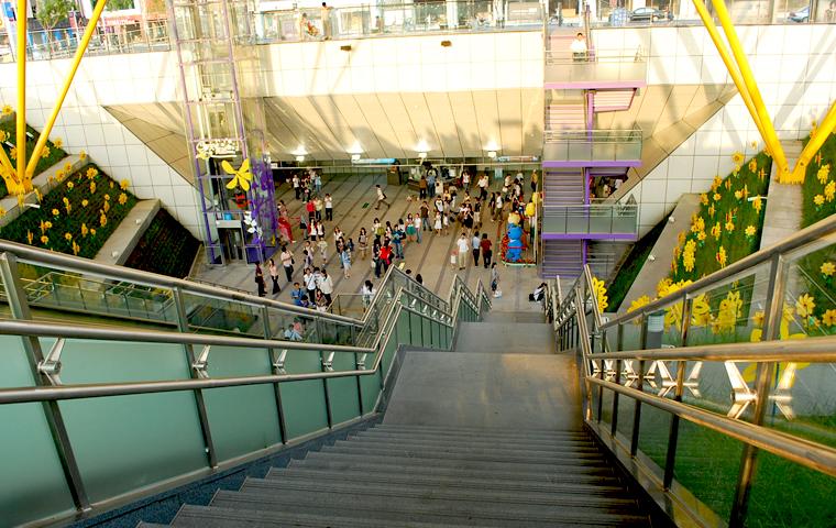 高捷系列-R9中央公園站