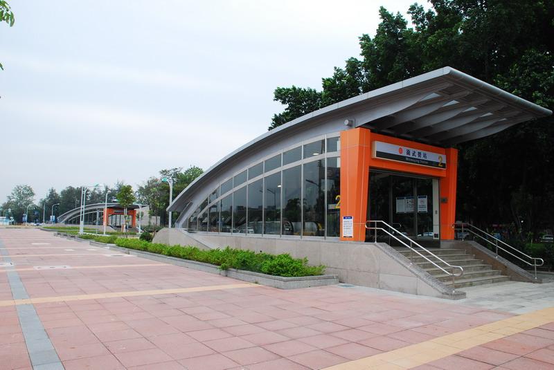 高捷系列-O10衛武營站