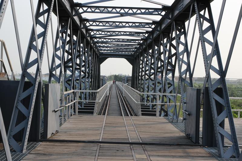 虎尾驛、虎尾鐵橋